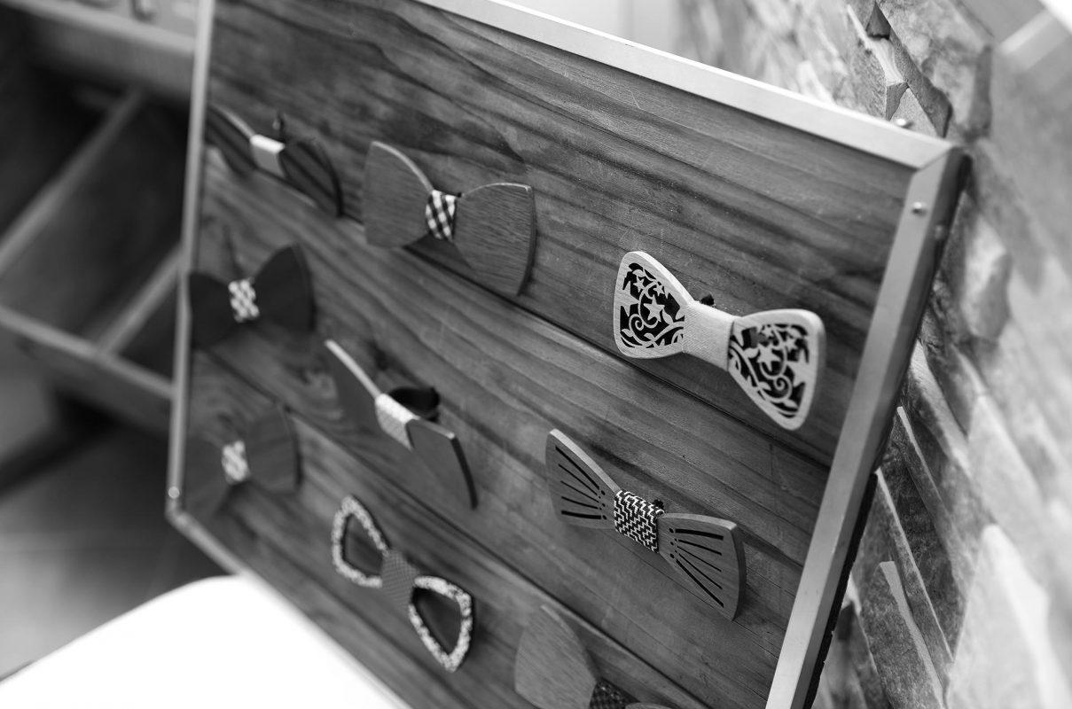 Tenue Du Personnel Atypique Noeuds Papillons En Bois